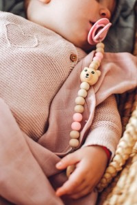 Smycz do smoczka Little Bear Pink / Mymami